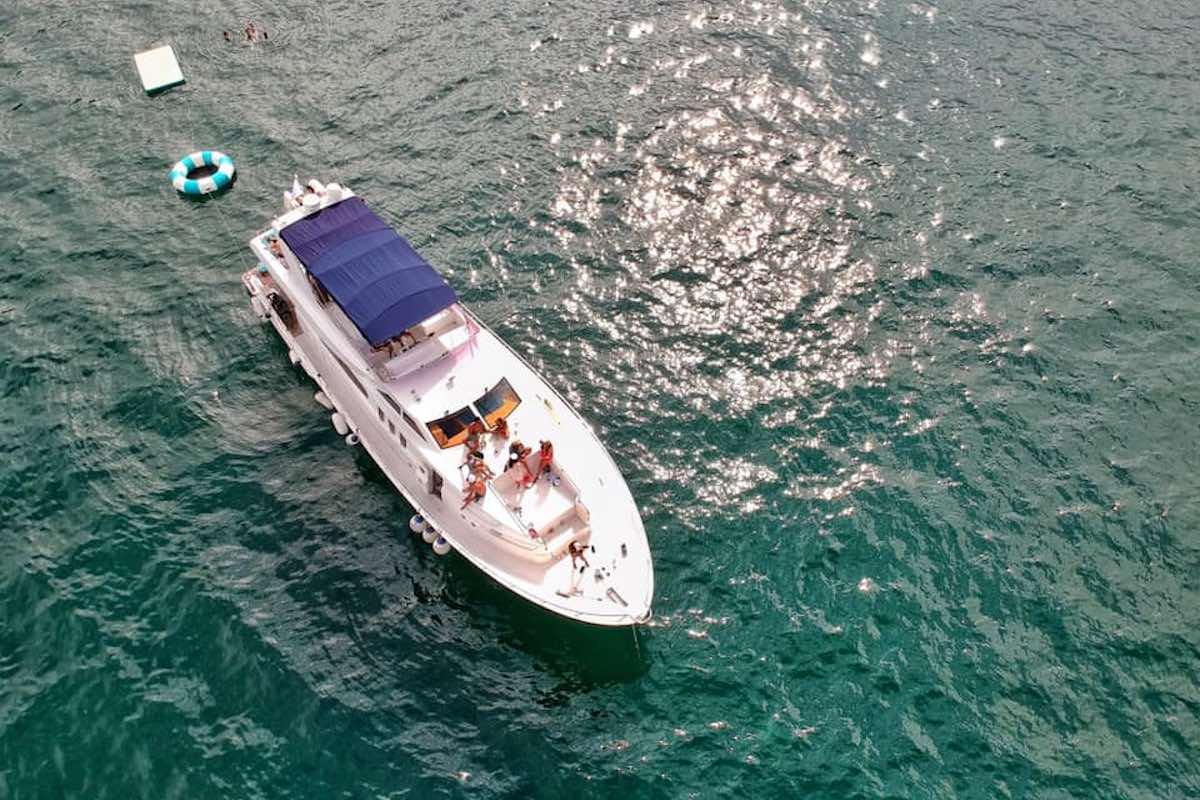 SEA-E-O Boating - Junk boat Hong Kong