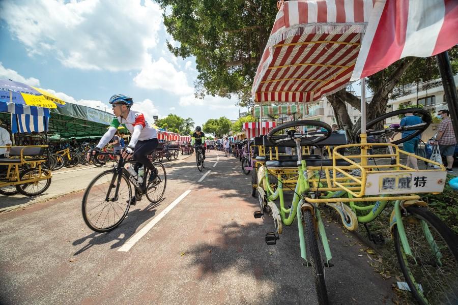 Cycling in Tai Mei Tuk